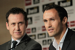 12.08.2010, Estadio Santiago Bernabeu, Madrid, ESP, Real Madrid, press conference, Ricardo Carvalhoas new player, im Bild Ricardo carvalho and Jorge Valdano. EXPA Pictures © 2010, PhotoCredit: EXPA/ Alterphotos/ Cesar Cebolla +++++ ATTENTION - OUT OF SPAIN +++++ / SPORTIDA PHOTO AGENCY