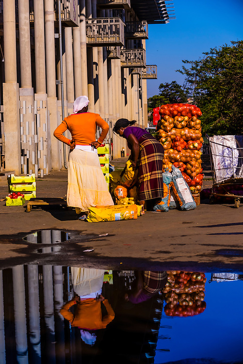 Open air market, Walter Sisulu Square of Dedication, Soweto, Johannesburg, South Africa.