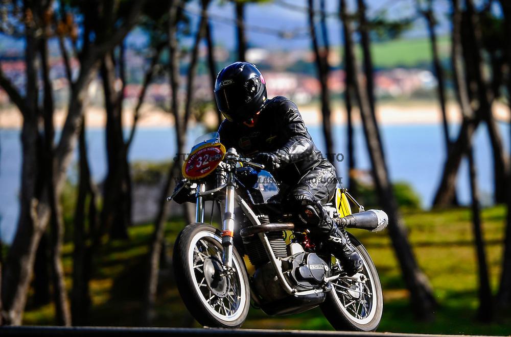 29-09-2013 Santander<br /> IV Gran Carrera Motos Clasicas en el Palacio de la Magdalena<br /> Ricardo Carrera Bulnes, con la moto Sanglas 500<br /> Fotos: Juan Manuel Serrano Arce