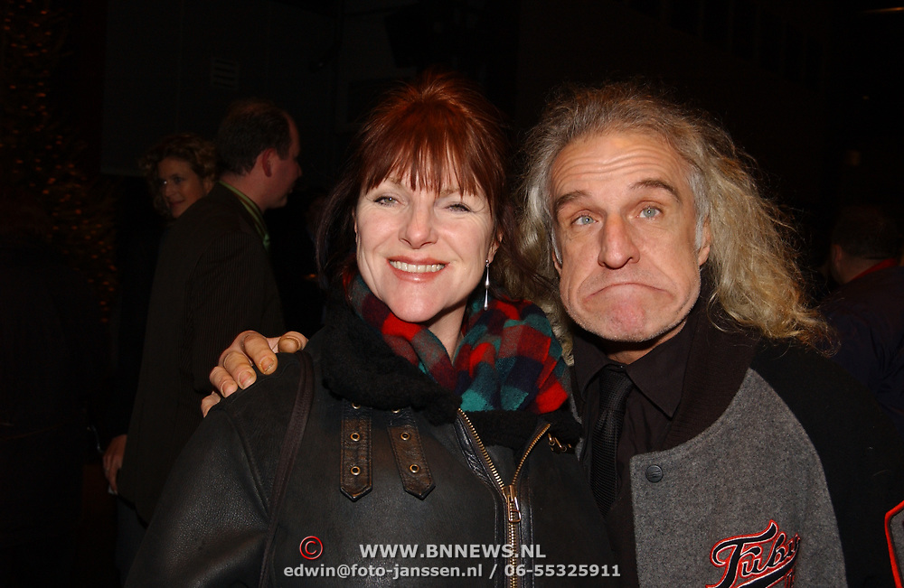 Premiere Slava Snowshow, Jango Edwards en vrouw