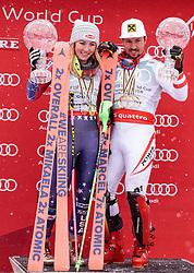 18.03.2018, Aare, SWE, FIS Weltcup Ski Alpin, Finale, Aare, Weltcupkugeln Gesamtweltcup, Siegerehrung, im Bild v.l. Mikaela Shiffrin (USA, Riesenslalom Weltcup 3. Platz, Slalom Weltcup und Gesamt Weltcup 1. Platz), Marcel Hirscher (AUT, Gesamt Weltcup 1. Platz und Slalom Weltcup 1. Platz) mit Ihren grossen Kristallkugeln // f.l. Overall World Cup winner Slalom World Cup winner and Giant Slalom World Cup third placed Mikaela Shiffrin of the USA Overall World Cup winner Slalom World Cup winner and Giant Slalom World Cup winner Marcel Hirscher of Austria with their crystal globes during the allover winner Ceremony for the Worlcup of FIS Ski Alpine World Cup finals in Aare, Sweden on 2018/03/18. EXPA Pictures © 2018, PhotoCredit: EXPA/ Johann Groder