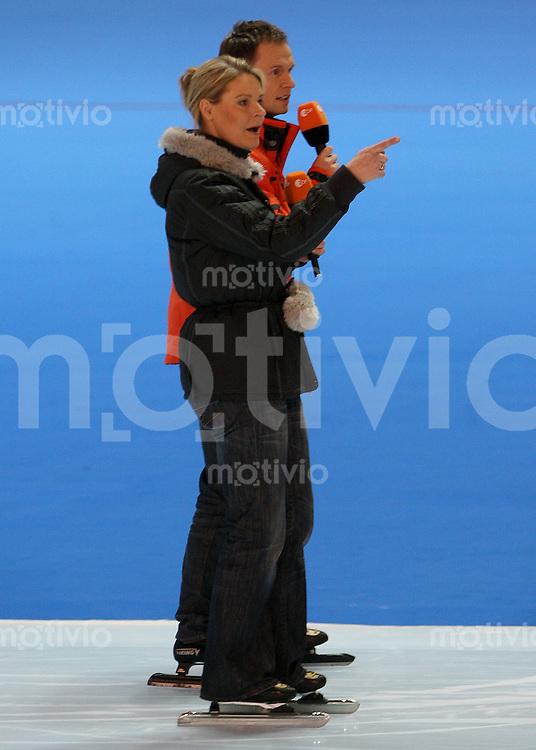 Erfurt , 170207 , Eisschnelllauf Weltcup , 10000m Maenner  ZDF - Moderatorin Gunda NIEMANN - STIRNEMANN (GER) wieder auf dem Eis