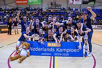 ROTTERDAM  - Pinoke JA1 winnen de titel.  finale NK  zaalhockey Pinoke JA1-Kampong JA1 (5-4).   COPYRIGHT  KOEN SUYK
