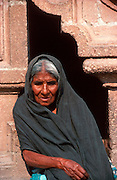 MEXICO, PEOPLE / VILLAGES old woman at Santa Prisa Cathedral in Taxco