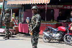 August 28, 2017 - Anantnag, Jammu and Kashmir, India - Government forces arrive at the shootout site after suspected militants shot at an ASI of Jammu Kashmir Police, identified as Abdul Rashid in Mehandi Kadal area of district Anantnag on Monday, 28 August 2017. Rashid succumbed to injuries at SKIMS, Srinagar on Monday afternoon. (Credit Image: © Muneeb Ul Islam/Pacific Press via ZUMA Wire)