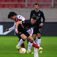 PIRAEUS, GREECE - FEBRUARY 25: Julian Weigl of SL Benfica and Willian of Arsenal FC during the UEFA Europa League Round of 32 match between Arsenal FC and SL Benfica at Karaiskakis Stadium on February 25, 2021 in Piraeus, Greece. (Photo by MB Media)