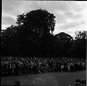 25/06/1961<br /> 06/25/1961<br /> 25 June 1961<br /> Rás Tailteann finishes at Parnell Square, Dublin. The crowd await the cyclists at the finish line.<br /> The Rás Tailteann is an annual 8-day international cycling stage race held in Ireland.