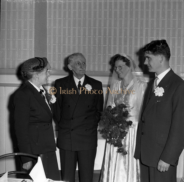 30/03/1957<br /> 03/30/1957<br /> 30 March 1957<br /> Wedding of Lee - Hill at Finglas Parish Church (Church of Ireland) and the Spa Hotel, Lucan, Dublin. Bride and groom at the hotel.