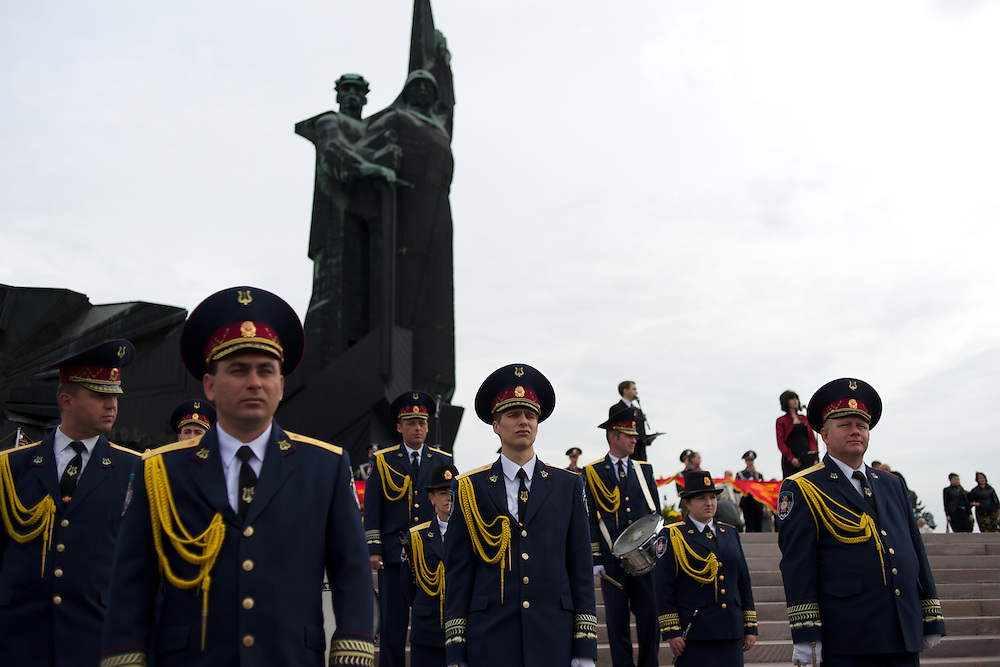 A Ukrainian army band attend a ceremony that marks 69 years since the Soviets defeated the Nazis, at the War Memorial in central Donetsk, amid tensions over the referendum for autonomy of the region to be held over the weekend.