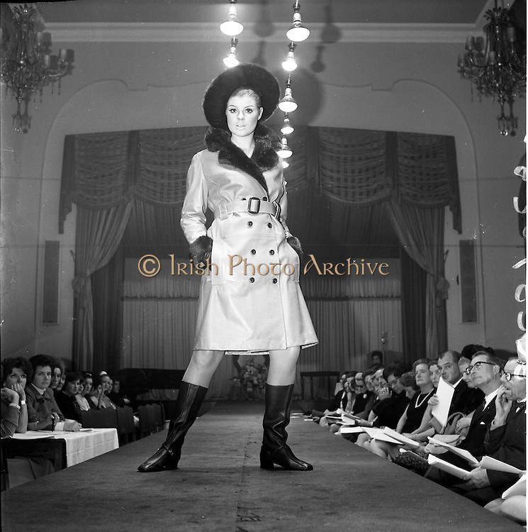 13/11/1967<br /> 11/13/1967<br /> 13 November 1967<br /> Irish Leather Federation, Leather Fashions at the Gresham Hotel, Dublin.<br /> Honey Coloured Aniline coat by Vard & Vince.