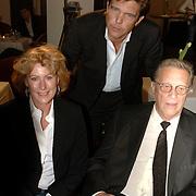 NLD/Bussum/20060120 - Uitreiking prijs Omroepman van het jaar 2005, vriendin John de Mol Els Verberk, John de Mol Sr.