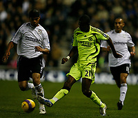 Photo: Steve Bond/Sportsbeat Images.<br />Derby County v Chelsea. The FA Barclays Premiership. 24/11/2007. Shaun Wright-Phillips (R) knocks the ball past Dean Leacock (L)