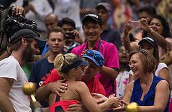 Die neue Nummer 1: Angelique Kerber jubelt mit ihrem Team bei den US Open in Flushing Meadows<br /> <br /> / 100916<br /> <br /> *** US Open at USTA Billie Jean King National Tennis Center in the Flushing neighborhood of the Queens borough of New York City; September 10th, 2016 ***