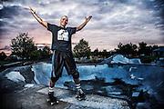 USA, Oregon, Eugene, skater in a skate park. MR