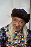 Mongolie, Oulan Bator, Place Sukhbaatar, concours du plus beau costume pour la fete du Naadam, ethnie bouriate // Mongolia, Ulan Bator, Sukhbaatar square, costume parade for the Naadam festival, Buriat people