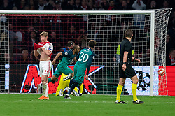 08-05-2019 NED: Semi Final Champions League AFC Ajax - Tottenham Hotspur, Amsterdam<br /> After a dramatic ending, Ajax has not been able to reach the final of the Champions League. In the final second Tottenham Hotspur scored 3-2 / Frenkie de Jong #21 of Ajax, Andre Onana #24 of Ajax, Lucas #27 of Tottenham Hotspur scores 3-2, Dele Alli #20 of Tottenham Hotspur