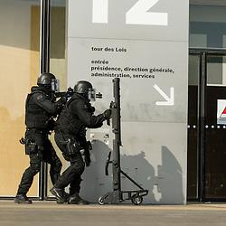 Démonstration de la Brigade de Recherche et d'Intervention de la Préfecture de Police de Paris à la BNF à l'occasion des 50 ans de l'unité.<br /> Juin 2015 / Paris (75) / FRANCE<br /> Voir le reportage complet (53 photos) http://sandrachenugodefroy.photoshelter.com/gallery/2015-06-50-ans-de-la-BRI-PP/G0000VONq9dX0bH0/C0000yuz5WpdBLSQ