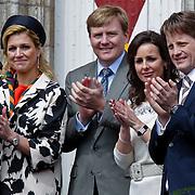 NLD/Middelburg/20100430 -  Koninginnedag 2010, Constantijn, Maxima en Willem - Alexander, Pieter - Christiaan en partner Anita van Eijk