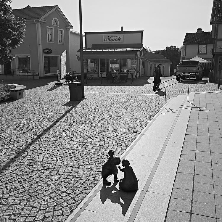 """""""Nystingar"""" i Leksand. Skulptör May Lindholm.<br /> PHOTO © Bernt Lindgren"""