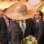 NLD/Lieshout/20190328 - Maxima aanwezig bij 300 jaar Brouwerij Bavaria, hoed koningin Maxima