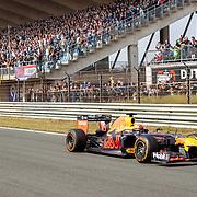 NLD/Zandvoort/20190518 - Jumbo Racedagen 2019, Pierre Gasly in zijn Redbull Formule 1 wagen