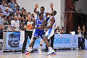DESCRIZIONE : Beko Legabasket Serie A 2015- 2016 Dinamo Banco di Sardegna Sassari - Enel Brindisi<br /> GIOCATORE : Durand Scott<br /> CATEGORIA : Palleggio Controcampo<br /> SQUADRA : Enel Brindisi<br /> EVENTO : Beko Legabasket Serie A 2015-2016<br /> GARA : Dinamo Banco di Sardegna Sassari - Enel Brindisi<br /> DATA : 18/10/2015<br /> SPORT : Pallacanestro <br /> AUTORE : Agenzia Ciamillo-Castoria/C.Atzori