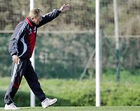 Fotball / Football<br /> Tyskland - Germany<br /> FC Köln training at La Manga - Spain<br /> 05-14.01.2007<br /> Foto: Morten Olsen, Digitalsport<br /> <br /> GERMANY OUT<br /> <br /> Christoph Daum screaming to the players
