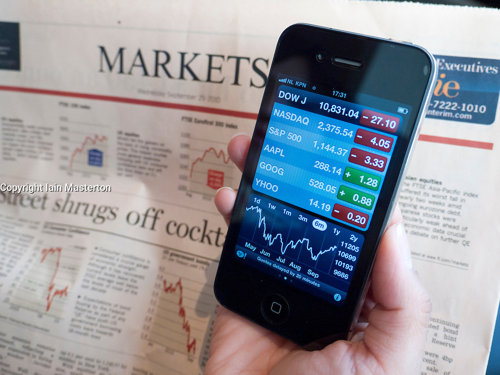Checking stock market data using iPhone 4G