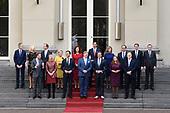 Het nieuwe kabinet Rutte III op het bordes van Paleis Noordeinde