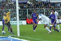 Firenze 07-11-2004<br />Campionato  Serie A Tim 2004-2005<br />Fiorentina Inter<br />nella  foto gol di Adriano<br />Foto Snapshot / Graffiti