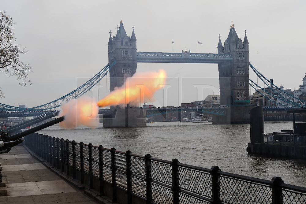 © Licensed to London News Pictures. 21/04/2016. London, UK. The Honourable Artillery Company (HAC) fire a 62 round gun salute at The Tower of London, near Tower Bridge to mark the 90th birthday of Great Britain's Queen Elizabeth II. A Royal Salute normally comprises 21 guns, but is increased to 41 if fired from a Royal Park or Residence and uniquely, at The Tower of London, a total of 62 rounds are fired on Royal anniversaries, including an additional 21 guns for the citizens of the City of London to show loyalty to the Monarch.  Photo credit : Vickie Flores/LNP