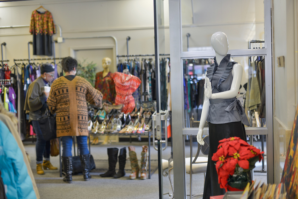 Shoppers at blue boutique in Downtown Akron