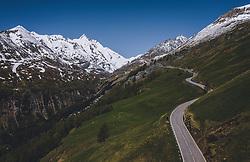 THEMENBILD - der Großglockner und die Strasse . Die Hochalpenstrasse verbindet die beiden Bundeslaender Salzburg und Kaernten und ist als Erlebnisstrasse vorrangig von touristischer Bedeutung, aufgenommen am 27. Mai 2020 in Heiligenblut, Österreich // the Großglockner and the road. The High Alpine Road connects the two provinces of Salzburg and Carinthia and is as an adventure road priority of tourist interest, Heiligenblut, Austria on 2020/05/27. EXPA Pictures © 2020, PhotoCredit: EXPA/ JFK
