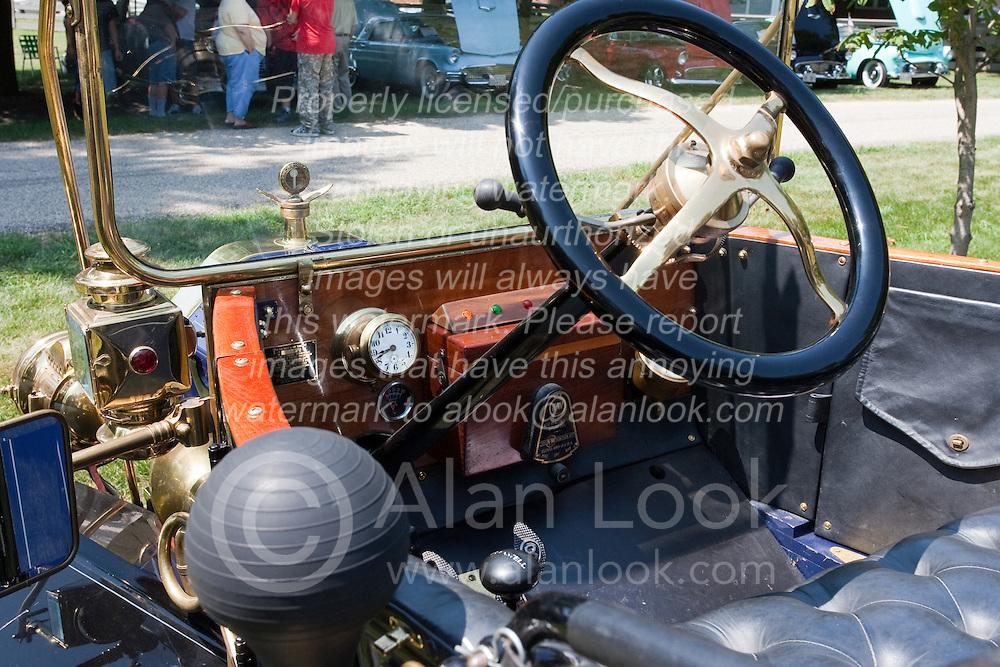 7 August 2010: 1912 Ford Antique Car show, David Davis Mansion, Bloomington Illinois