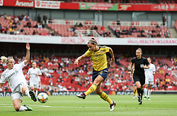 Katie McCabe of Arsenal has a shot blocked by Kathrin Hendrich of Bayern Munich - Mandatory by-line: Arron Gent/JMP - 28/07/2019 - FOOTBALL - Emirates Stadium - London, England - Arsenal Women v Bayern Munich Women - Emirates Cup
