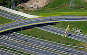 Nederland, Noord-Brabant, Den Bosch, 09-05-2013; knooppunt Hintham, kruising A2 en A59 (fly-over)<br /> Hintham junction, A2 and A59 (w. fly over).<br /> luchtfoto (toeslag op standard tarieven);<br /> aerial photo (additional fee required);<br /> copyright foto/photo Siebe Swart.