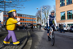 Anna Plichta (POL) gets a thumbs up from a local at Le Samyn des Dames 2019, a 101 km road race from Quaregnon to Dour, Belgium on March 5, 2019. Photo by Sean Robinson/velofocus.com