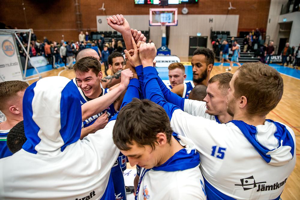 BASKETLIGAN 2019-11-18<br /> Jämtland Basket jublar efter segern i måndagens match i basketligan mellan Jämtland Basket och Djurgården<br /> <br /> Foto: Per Danielsson/Projekt.P