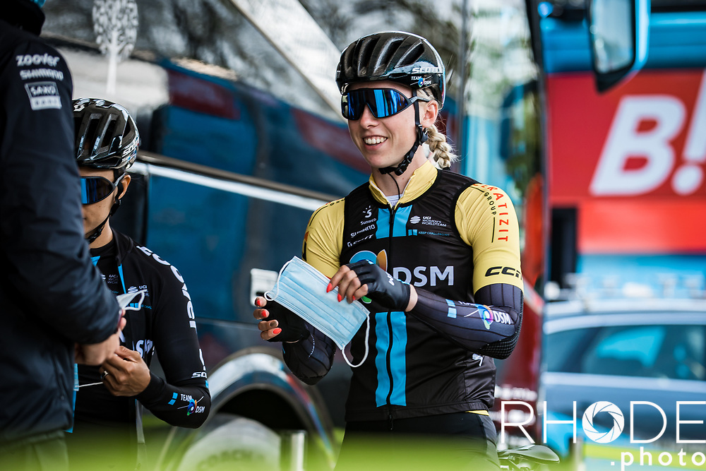 Lorena Wiebes (NED/DSM) pre race. Wearing the yellow jersey as leader in the GC<br /> <br /> Ceratizit Festival Elsy Jacobs (LUX) 2021<br /> UCI Women Elite 2.1<br /> Day 2 – stage : Steinfort >Steinfort 125.1km  <br /> <br /> ©RhodePhoto