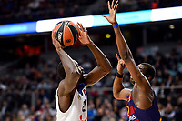 Real Madrid's Othello Hunter and FC Barcelona Lassa's Moussa Diagne duringTurkish Airlines Euroleague match between Real Madrid and FC Barcelona Lassa at Wizink Center in Madrid, Spain. March 22, 2017. (ALTERPHOTOS/BorjaB.Hojas)