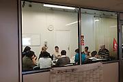 Depuis quatre mois les ouvrières de Sodimédical, à Plancy l'Abbaye (10) pointent tous les matins à 7h15 mais à la fin du mois aucun salaire ne tombe. En 2010 le groupe Lohmann & Rauscher a annoncé la fermeture de cette usine de matériel médical et le licenciement de ses 54 salariés pour délocaliser l'activité en Chine. Malgré plusieurs décisions de justice qui ont invalidé les plans sociaux , le groupe ne confie plus de travail aux ouvrières. Sans travail mais aussi sans chômage, les ouvriers sont chaque jour 8 heures à l'usine, tricotant, jouant aux cartes ou marchant en rond dans le parking, en attendant une décision.