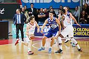 DESCRIZIONE : Varese Lega A 2013-14 Cimberio Varese Acqua Vitasnella Cantu<br /> GIOCATORE : Andrea De Nicolao Franklin Hassel<br /> CATEGORIA : Palleggio Blocco Tecnica<br /> SQUADRA : Cimberio Varese<br /> EVENTO : Campionato Lega A 2013-2014<br /> GARA : Cimberio Varese Acqua Vitasnella Cantu<br /> DATA : 15/12/2013<br /> SPORT : Pallacanestro <br /> AUTORE : Agenzia Ciamillo-Castoria/G.Cottini<br /> Galleria : Lega Basket A 2013-2014  <br /> Fotonotizia : Varese Lega A 2013-14 Cimberio Varese Acqua Vitasnella Cantu<br /> Predefinita :