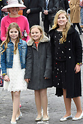 De koninklijke familie is in Zwolle voor de viering van Koningsdag. /// The royal family is in Zwolle for the celebration of King's Day.<br /> <br /> Op de foto / On the photo:  Koningin Maxima met hun dochters Amalia, Alexia en Ariane / Queen Maxima with their daughters Amalia, Alexia and Ariane