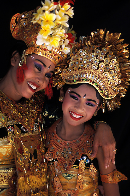 Balinese dancer and daughter in costume, Ubud