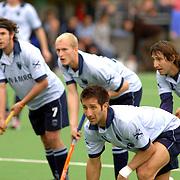 NLD/Laren/20060430 - Rabo Hoofdklasse hockey Laren - Eindhoven, Jurriaan van de Veer (23), Matias Cammareri (8)
