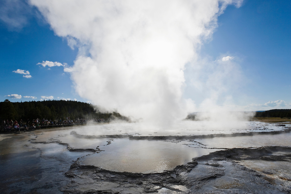 The Great Fountain Geyser in Yellowstone National Park, Wyoming, USA.