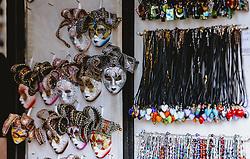THEMENBILD - kleine venezianische Masken und Ketten mit Anhänger aus Muranoglas, aufgenommen am 05. Oktober 2019 in Murano, Italien // small Venetian masks and necklaces with Murano glass pendant, in Murano in Italy on 2019/10/05. EXPA Pictures © 2019, PhotoCredit: EXPA/Stefanie Oberhauser