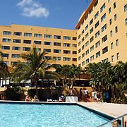 Vakantie Miami Amerika, hotel, zwembad, toeristen, zwemmen, palmbomen, palmboom,