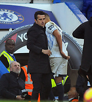 Football - 2018 / 2019 Premier League - Chelsea vs. Everton<br /> <br /> Everton Manager, Marco Silva embraces Richarlison as he comes off the field, at Stamford Bridge.<br /> <br /> COLORSPORT/ANDREW COWIE