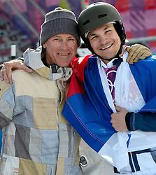19-02-2014 SNOWBOARDEN: OLYMPIC GAMES: SOTSJI<br /> Vic Wild (RUS) wint de parallelreuzenslalom snowboarden en heeft zijn oud trainer, de Nederlander in Amerikaanse dienst Thedo Remmelink gevonden.<br /> ©2014-FotoHoogendoorn.nl